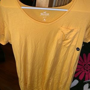 hollister must-have collection yellow easy tee